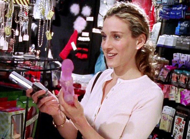 Шарлотта из сериала Секс в большом городе с вибратором
